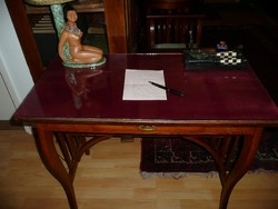 Különleges, picike, üveges antik női szecessziós íróasztal szép állapotban