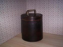 Antik csikóbőr doboz (164.)