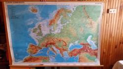 Európa domborzati térképe eladó! Tanuló eszköz kétoldalas.