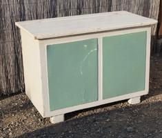 Régi nagy láda bútor vintage fehér-zöld négyzetekkel Jó állapot
