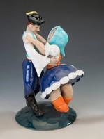Neográdyék: Táncoló pár
