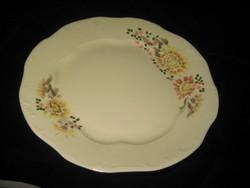 Zsolnay  tányér  kidomborodó mintával   , kézi festés  262 mm
