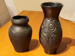 Fekete kerámia vázák