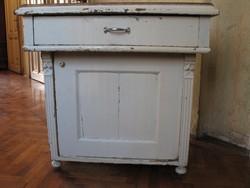 Antik,márvány tetejű, fiókos, egy ajtós kis szekrény (asztal)