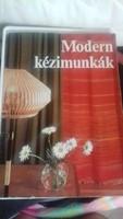 """Retro lakástextil bemutató könyv """"Modern kézimunkák"""" címmel"""