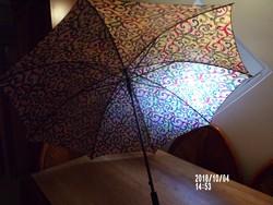 Fekete lakk nyelű esernyő