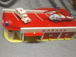 Retro játék Csehszlovák matchbox autó garázs,