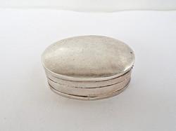 Apró ezüst doboz