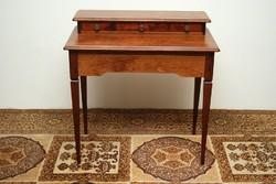 Toszkán stílusú íróasztal, szekreter
