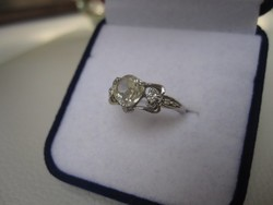 Ezüst, szecessziós eljegyzési gyűrű egy hatalmas gyémánt moissanit kővel