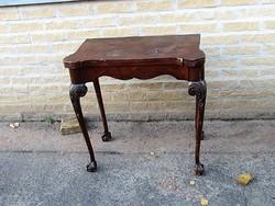 Chippendale játékasztal