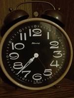 Nagy méretű csörgös óra