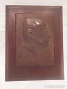 Jelzett bronz plakett férfi portré 1922