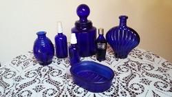 6 régi (különböző korú) kék pipere üveg a fürdőszobából (Az első képen látható szappantartó elkelt!)