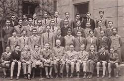 0U007 Régi iskolai fotográfia csoportkép 40 fő