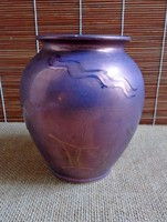 Bay Keramik váza fényes lila mázzal