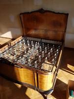 Olasz chippendale ágykeret ágyráccsal - hálószoba bútor része