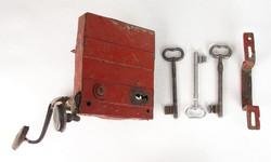 0U211 Antik kovácsoltvas pincezár + kulcs