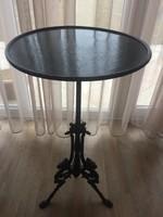 Vas asztalka