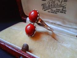 Antik Uncas aranyozott ezüst gyűrű.Nyers gyémánt és korall kő.