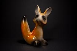 Jelzett magas fényű kerámia róka figura