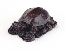 0U439 Kisméretű műgyanta szerencsehozó teknős