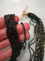 Gyönyörű fűzött gyöngy nyaklánc