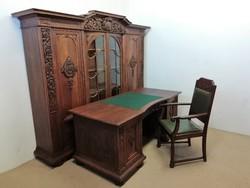 Restaurált antik dolgozószoba