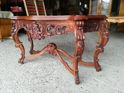 Barokk konzolasztal