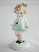 Bodrogkeresztúri kerámia katicás kislány
