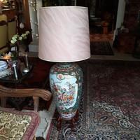 Kinai porcelán óriási állólápa ,cseresznyefa lábbal 118cm magas.