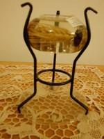 Kézműves üveg  mécsestartó/gyertyatartó kovácsoltvas lábakkal