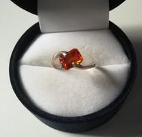 Kecses ezüst gyűrű cirkon kővel