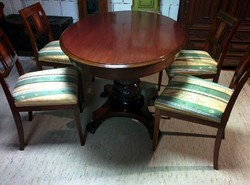 Intarziás székek szalonasztallal