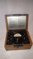 Antik elektronikai mérő műszer