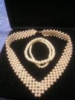 N15  ötsoros gyöngy collié + 2 db gumis karlánc egyben eladóak szép állapotban