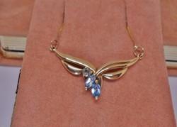 Szépséges akvamarin gyémánt arany nyakék