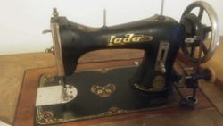 LADA Antik varrógép több mint 100 éves