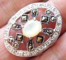 925 ezüst gyűrű 18,5/58 Kagylóhéjjal, markazitokkal, topázokkal