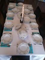 Zsolnay porcelán étkészlet (150. jubileumi, 10 személyes, kék barackvirág mintás)