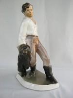 Kerámia fiú puli kutyával