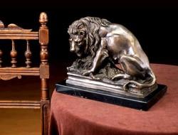 Oroszlán elkapta a Vaddisznót - monumentális bronz szobor