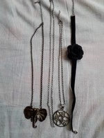 Fekete bársony rózsás nyakpánt, két db. nagy méretű medálos lánc és  1 db. lánc egyben eladó