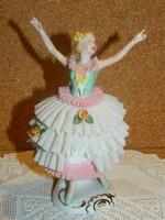 Német csipkeruhás balerina.