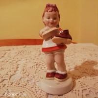 Royal Dux cipőpucoló kislány