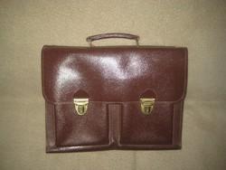 """"""" Akta táska """"  Retró  ! természetes bőrből  , zárható 42 x 28  cm használva még nem volt"""