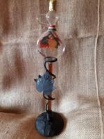 Egri boros díszüveg,  kovácsoltvas tartóval