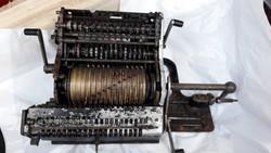 Német Brunsviga 20 számológép 1920-as évek.