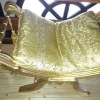 Etruszk aranyozott szék