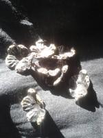 Antik ezüstös ruhagombok